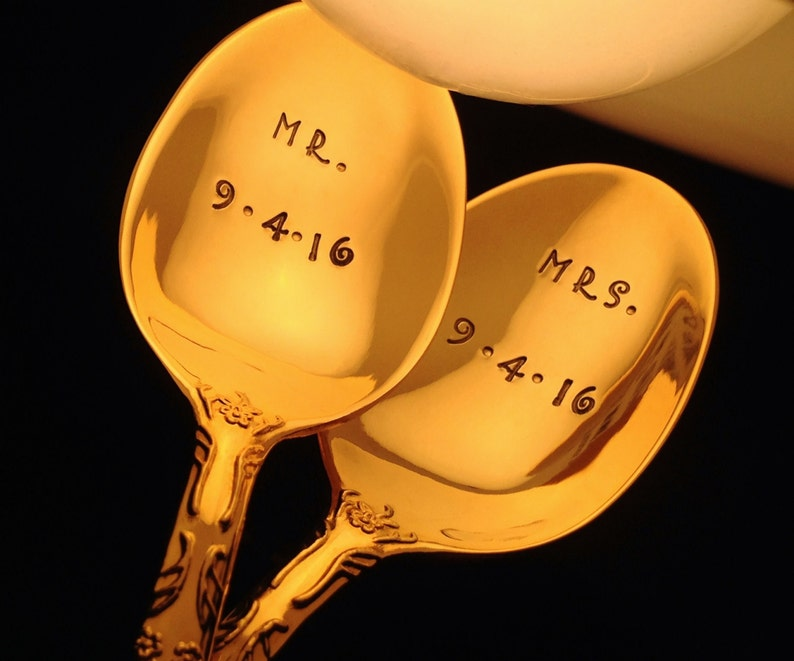 Wedding Spoons: MR & MRS Spoons with Date Customized image 0