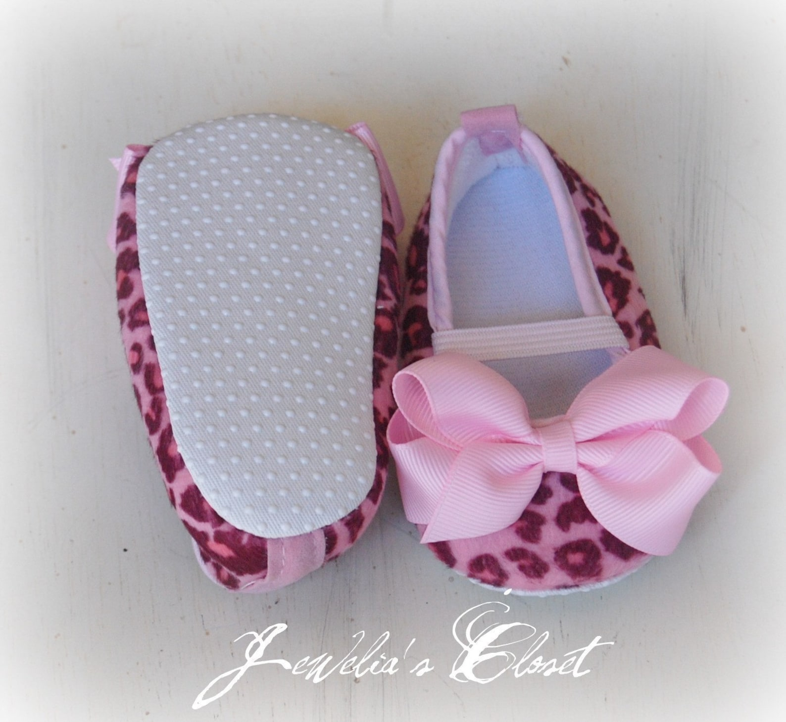 pink cheetah print baby shoes ballet flats with pink grosgrain bows- makes a great baby shower gift