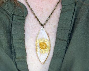 Blue Birdseye /& Yellow Daisy Handmade Epoxy Resin Necklace