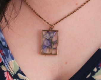 February Birth Flower Necklace, Real Flower Necklace, Iris Flower, Birthday Flower, Botanical Jewelry, Pressed Flower Jewelry