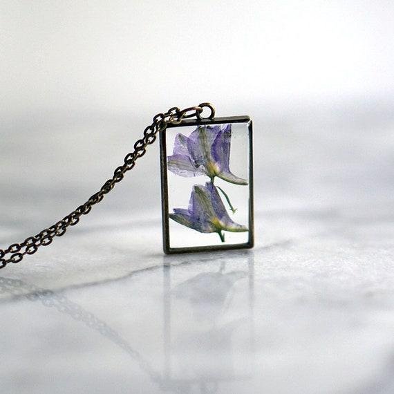 Zebra Primrose Pressed Flower Glass Flower Shaped Pendant-February Birth Flower-Symbolizes First Love-Nature /& Spring Inspired