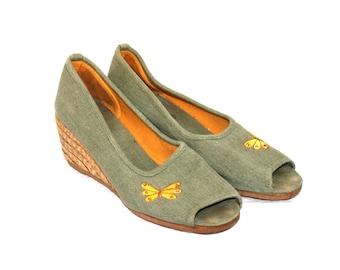 60486db7529646 Vintage wedge shoes