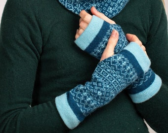Fair Isle, Fingerless Mittens, fingerless gloves, blue mitts, teal, wrist warmers, diesel blue mittens, wool mittens, gift for women, diesel