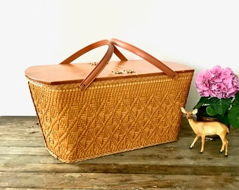 Vintage woven Wicker Picnic Basket with Handles