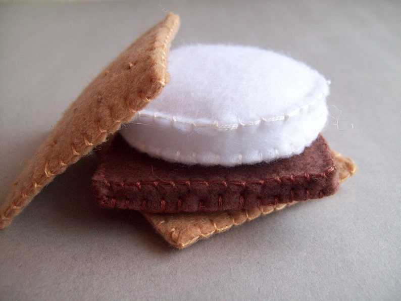 S'more and Marshmallow on a Stick combo felt food play set image 0