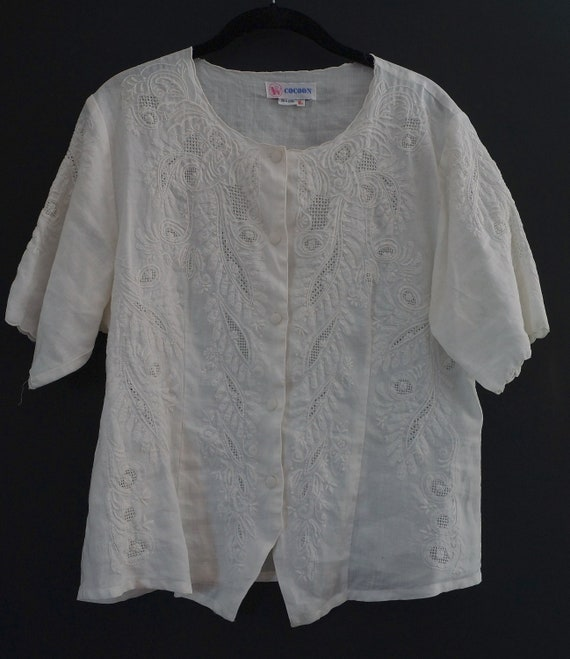 Vintage White Linen Embroidered Blouse / Embroider