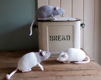 Rat knitting pattern - PDF - cute toy domestic rats cuddly beginners knit!