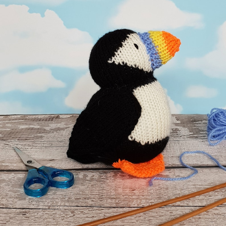 Barry the Puffin knitting pattern easy knit for beginners ...
