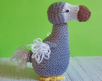 Dora the Dodo knitting pattern - cute cuddly and easy to knit for beginners - bird knitting pattern dodo toy
