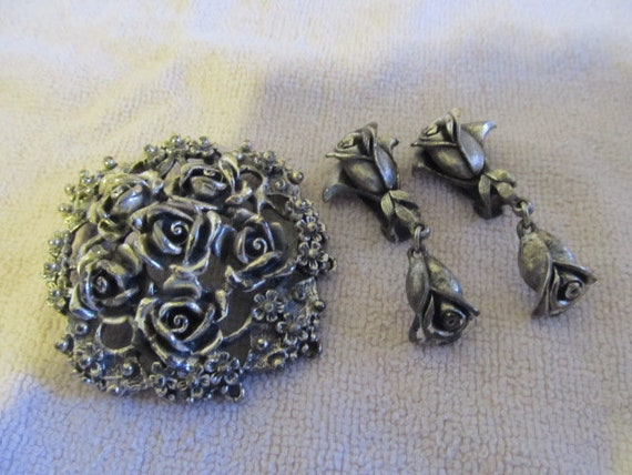 Vintage Signed Tortolani Brooch and Clip Drop Dangle Earrings