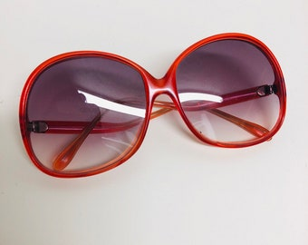 2fe00bc6f4 Vintage Oversized Red Made in Italy Sunglasses