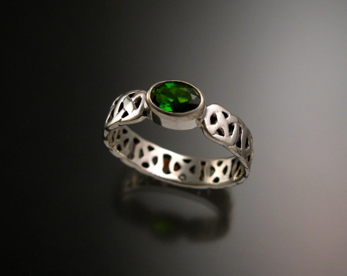 Chrome Diopside Celtic band Wedding ring handcrafted in 14k White Gold Emerald Substitute ring made to order in your size