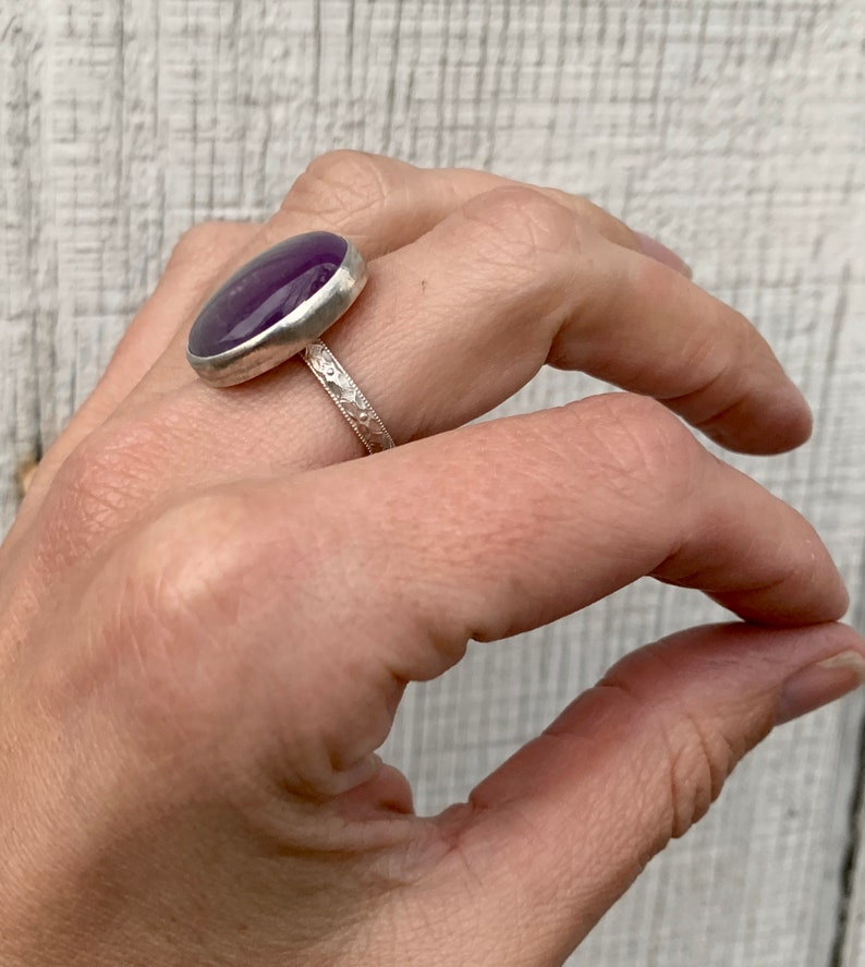 Amethyst Ring Boho Healing Crystal One of a Kind White and Purple Lace Amethyst Sterling Silver Ring with Patterned Ring Band