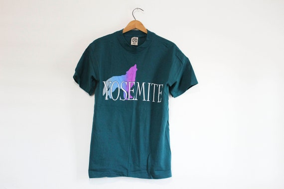 Vintage Yosemite National Park Wolf T Shirt