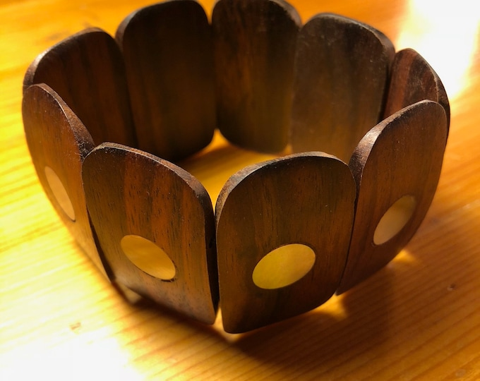 Indonesian handcrafted wooden stretch bracelet with mother-of-pearl