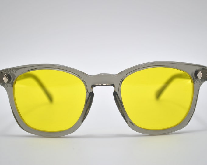 Custom sunglasses  Gray Frames and Yellow lens, American Made