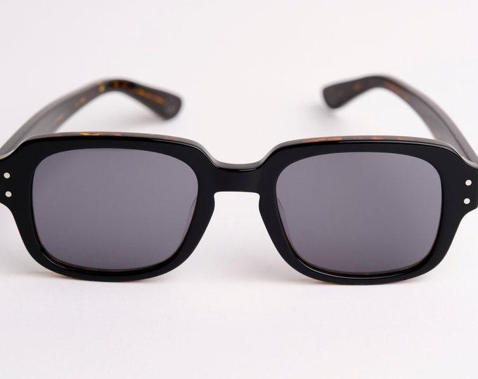 """New York Eyerish """"The Downings"""" Frame Black/Brown tortoise shell Shell Frame with Green Lenses"""