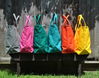 Quality Mending Black Hole shoulder tote. Gray,  Huge tote to hold all a day can bring you.