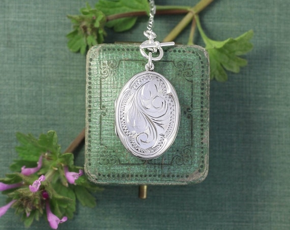 Sterling Silver Front Toggle Locket Necklace, Vintage Small Oval Picture Pendant with Unique Scalloped Border - Laurel Swag
