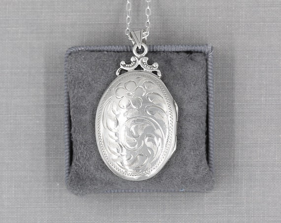 Vintage Sterling Silver Locket Necklace, Oval Photo Locket Pendant - Buttercup