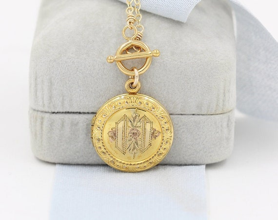 Vintage Small Round Gold Locket Necklace, Circa 1950's Gold Filled Photo Pendant - Golden Beauty