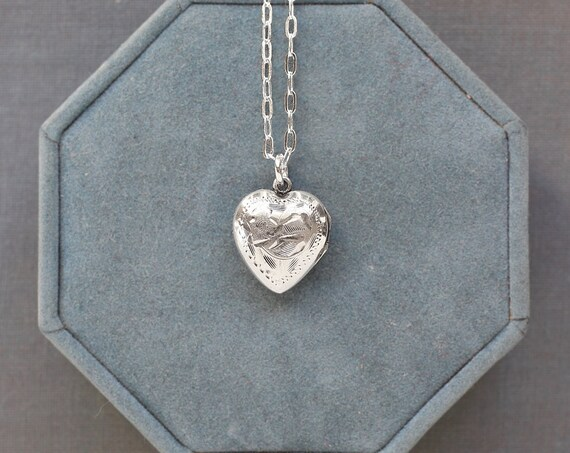 Small Heart Locket Necklace, Vintage Sterling Silver Floral Engraved Pendant - Sweet Pea