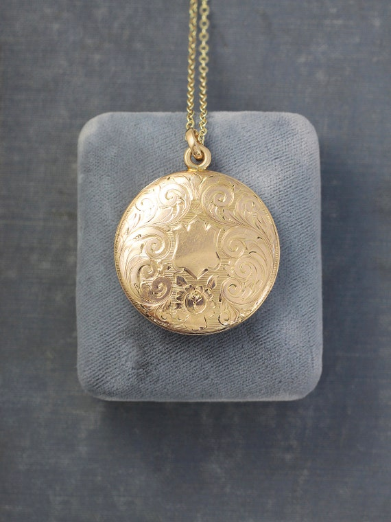 Antique Gold Locket Necklace, W&H Co Large Round Photo Pendant - Timeless Beauty