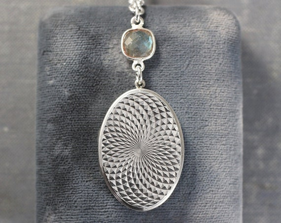 Vintage Silver Oval Locket Necklace, Photo Locket on Labradorite and Long Oval Link Chain - Kaleidoscope