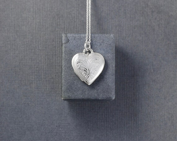 Small Sterling Silver Heart Locket Necklace, Vintage Photo Pendant on Delicate 16 Inch Chain - Sweetheart