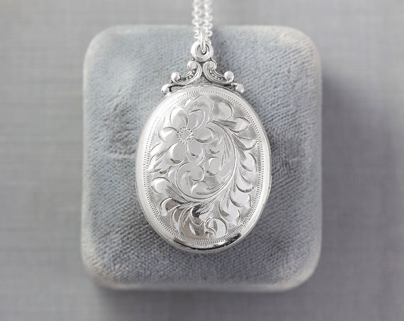 Sterling Silver Locket Necklace, Vintage Flower Engraved Oval Photo Pendant - Forget Me Not