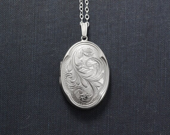 Sterling Silver Locket Necklace, Vintage 1976 Large Oval Picture Pendant with Unique Scalloped Border - Laurel Swag