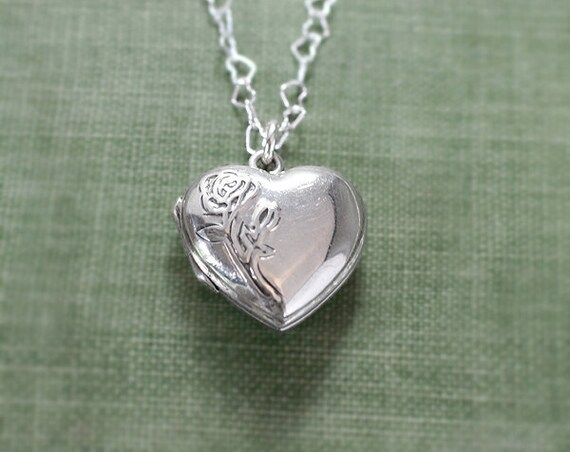 Sterling Silver Heart Locket Necklace, Photo Pendant with Special Chain of Hearts - Forever Rose