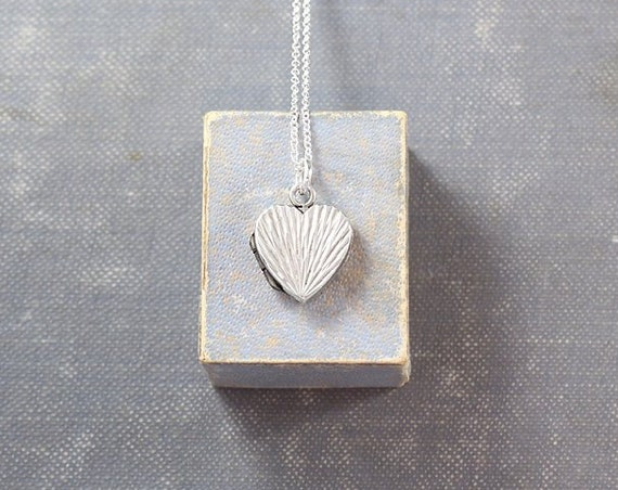 Tiny Sterling Silver Heart Locket Necklace, Vintage 1975 Pendant - Silver Sunrise