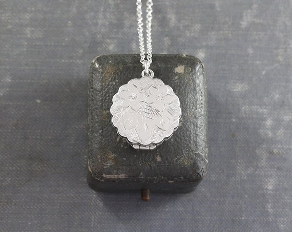 Small Round Flower Locket Necklace, Silver Forget Me Not Engraved Scallop Edged Photo Pendant - Petals