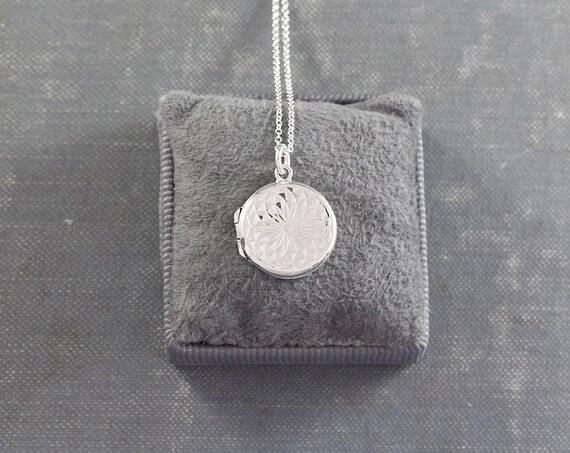 1978 Vintage Sterling Silver Locket Necklace, Small Round Rare Sparkling Design Pendant - Kaleidoscope