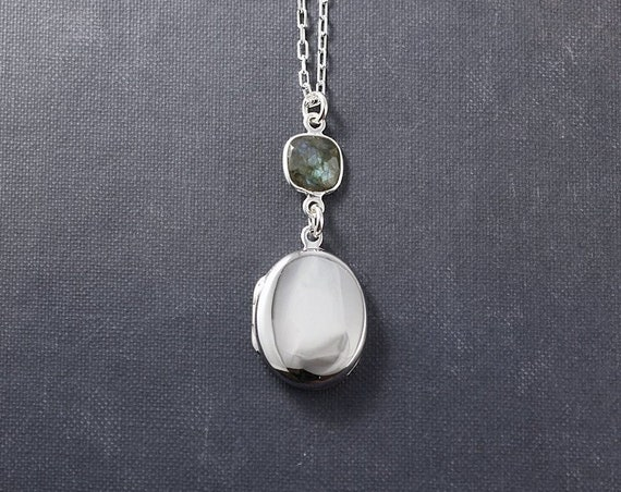 Sterling Silver Locket Necklace with Labradorite Gemstone, Small Plain Oval Photo Pendant - Blue Flash