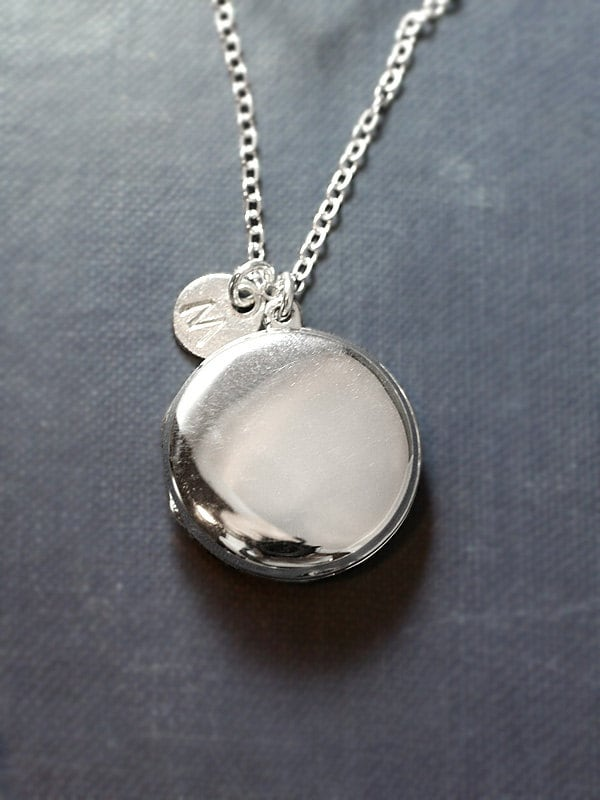2860593653e3 Modern Sterling Silver Locket Necklace