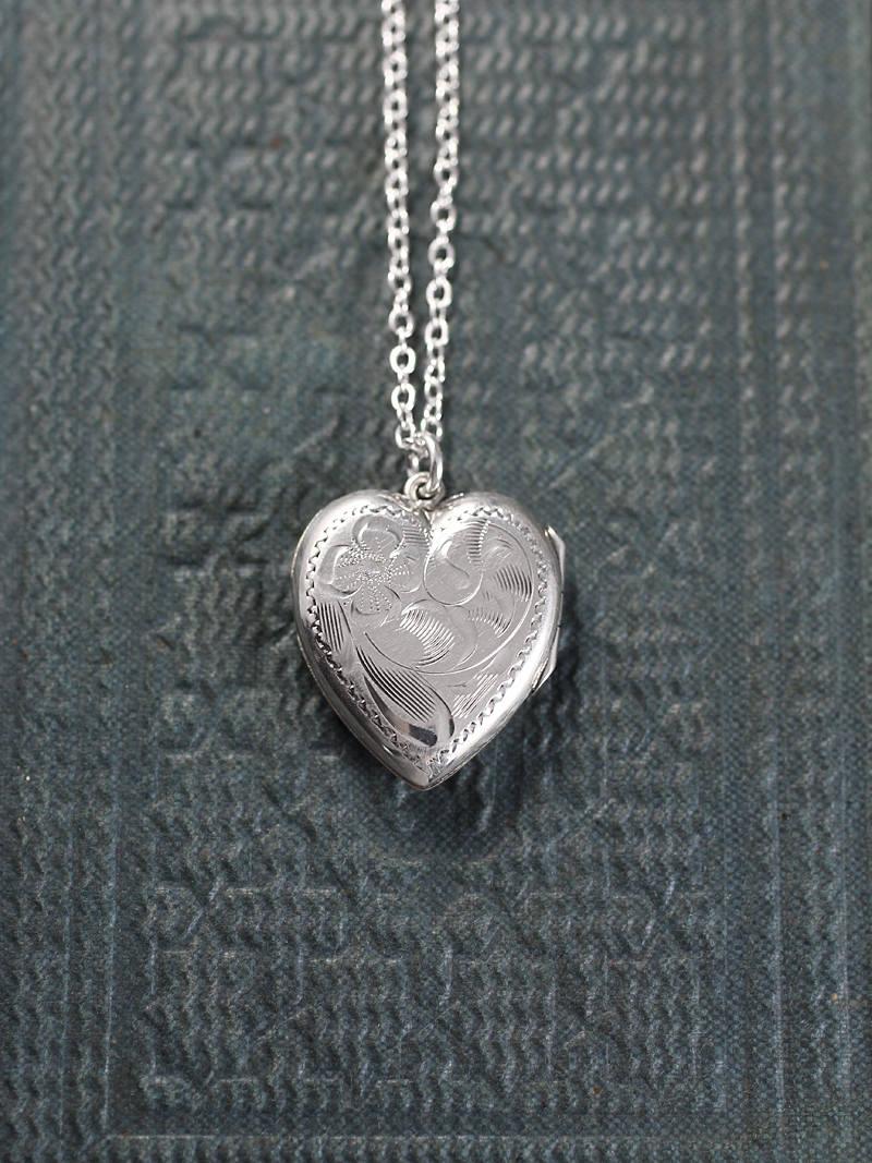 45c40ccc37 Silver Heart Locket Necklace, Vintage Flower Engraved Sterling ...