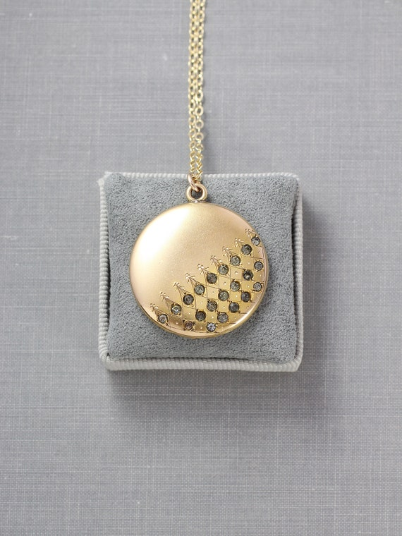 Antique Gold Locket Necklace, Wightman and Hough 100 Year Old Round Photo Pendant - Harlequin Pattern