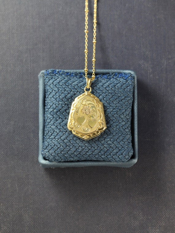 Small Gold Filled Locket Necklace, Antique Hayward Photo Pendant - Sweet Surprise