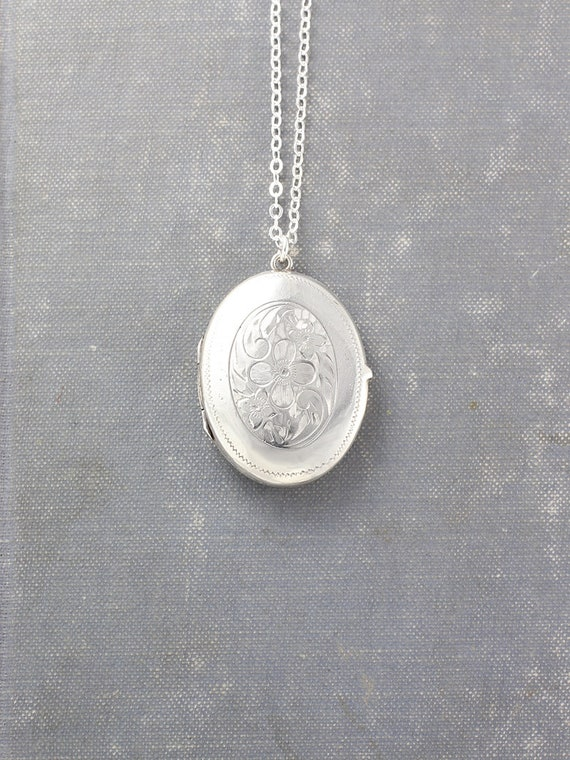 Vintage Sterling Silver Locket Necklace, Large Oval Picture Locket Pendant - Dame's Violet