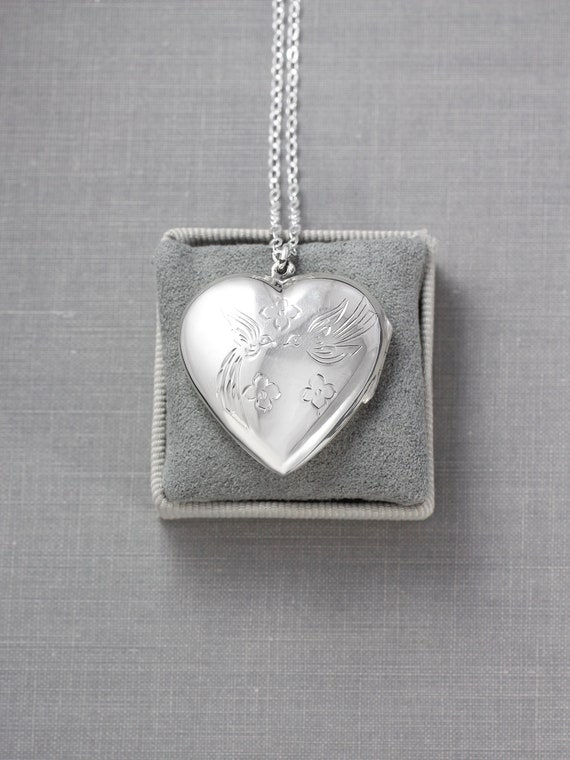 Lovebirds Engraved Sterling Silver Heart Locket Necklace - Kissing Sparrows