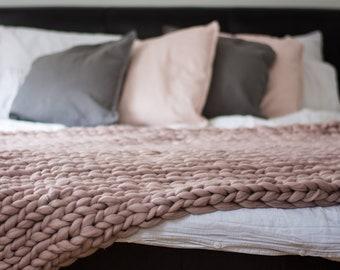 Chunky Knit Blanket. Dusky Pink