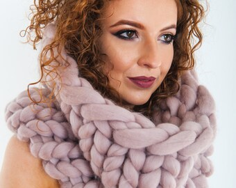 Knit Scarf. Luxury Chunky Snood Infinity