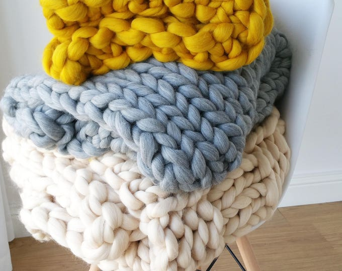 Featured listing image: Extremely Chunky Merino Wool Blanket Knit Boho Minimalistic