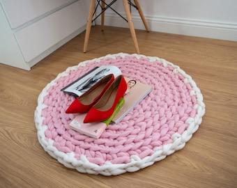 Contrast Edge Floor Mat. Chunky Knit Round Rug