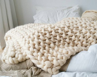 Super Chunky Knit Blanket Luxury Cream Bed Runner