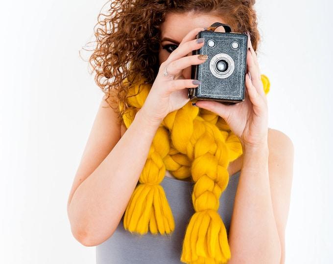 Chunky Knit Scarf Luxury Chain Tassel