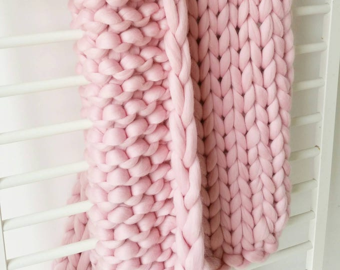 Giant Pink Chunky Arm Knit Blanket Luxury Bed Runner Chunky Knit Throw Merino Wool Blanket UK seller