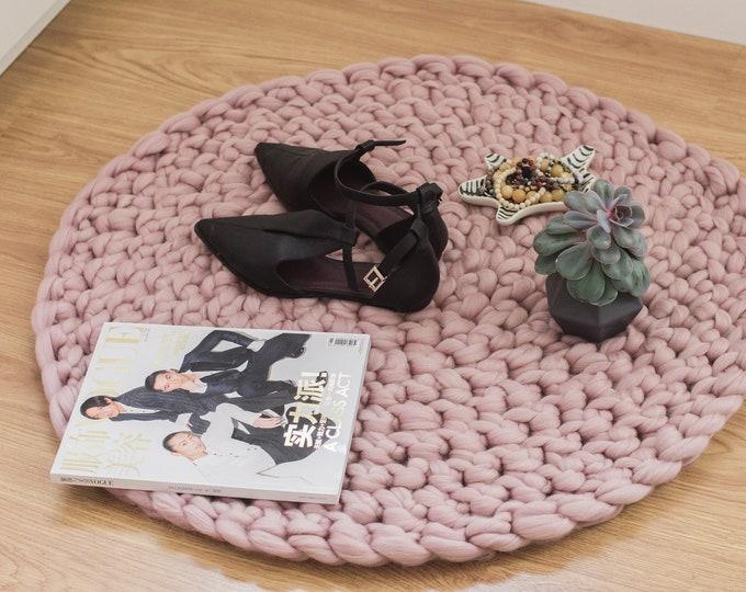 Floor Mat. Chunky Knit Round Rug